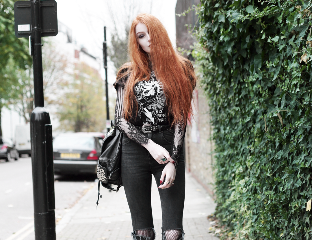 Olivia Emily wears Fawnbomb CosQueen Black Mirror Princess Tee, Motel Black Lace Top, Asos Western Belt, Asos High Waisted Ripped Jeans